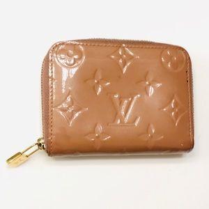 LOUIS VUITTON Noisette Vernis Zippy Coin Wallet